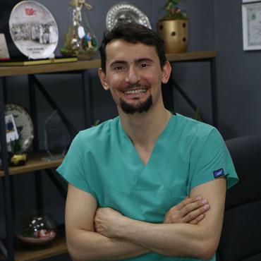 Dr.Erdi Özdemir Abou Pic